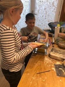 children cooking a Food Club's recipe together